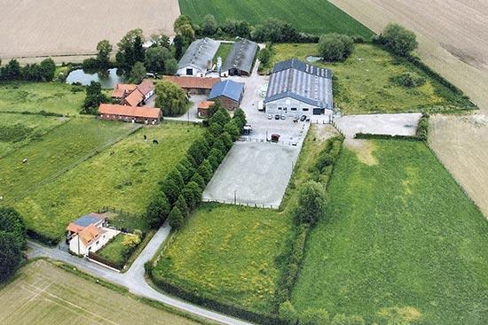 Centre équestre près de Steenvoorde et Hazebrouck